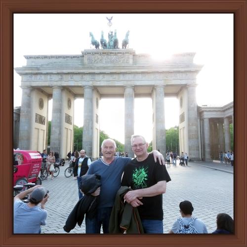 Peter och jag framför Brandenburger Tor 2016
